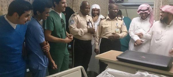 入院中の男性が「僕のお見舞いに来てくれる人なんていない」とツイートしたら、アラブの大富豪がやってきた話