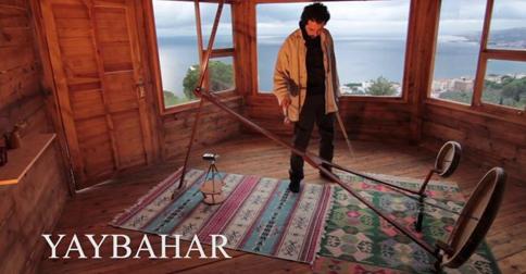 不思議な音を生み出すアコースティック楽器『ヤイバハール』が話題