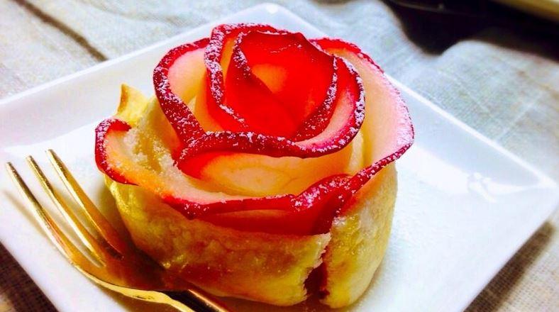薔薇の形のアップルパイ