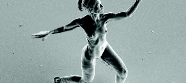 芸術と科学の融合!針の穴さえ楽々通る「ナノ彫刻」