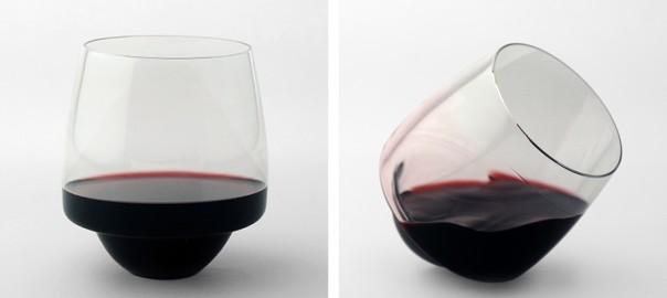 実用的でオシャレ!倒れても中身がこぼれないワイングラス