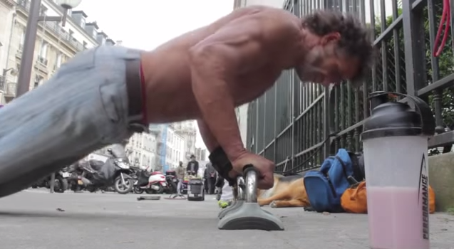 homeless bodybuilder3