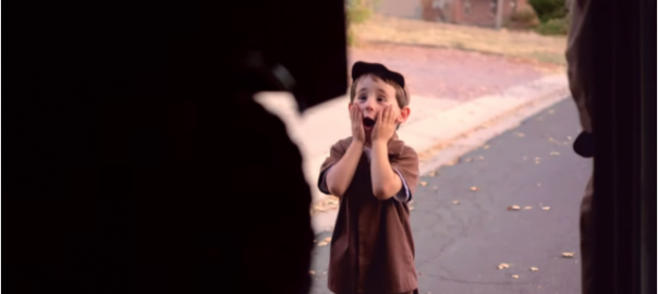 【あなたの願いを届けます】貨物運送会社が1人の少年に素敵な届け物