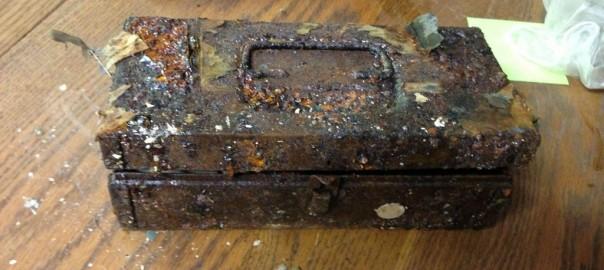 【リアル宝探し】20年間放置されていた家には隠されたお宝が…