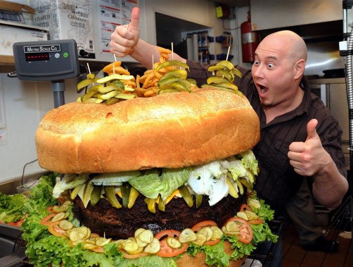worlds-largest-cheeseburger