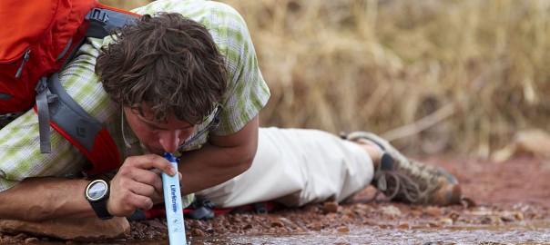 災害時に大活躍。汚水を一瞬で飲料水に変えるストロー