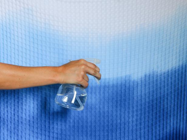 CI_Brittni-Mehloff_ombre-shower-curtain-spray-bottle-step8c_h_lg