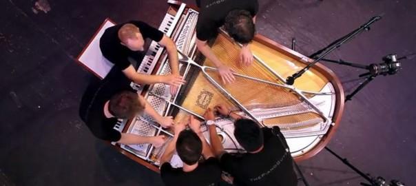 楽しさが伝わってくる!5人で奏でるグランドピアノの音色に鳥肌(3:20)