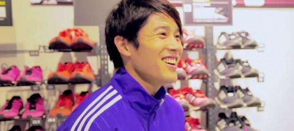 内田篤人がショップスタッフ!憧れの選手が登場する素敵なサプライズ(1:10)