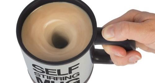 自動まぜまぜ機能付きマグカップ 「SELF STIRRING MUG」