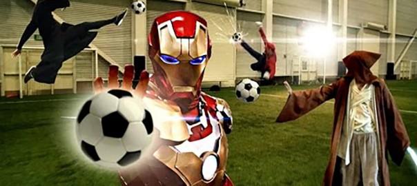 【驚愕プレイ連発!】スーパーヒーローが集結したサッカーの試合がスゴすぎる(3:08)