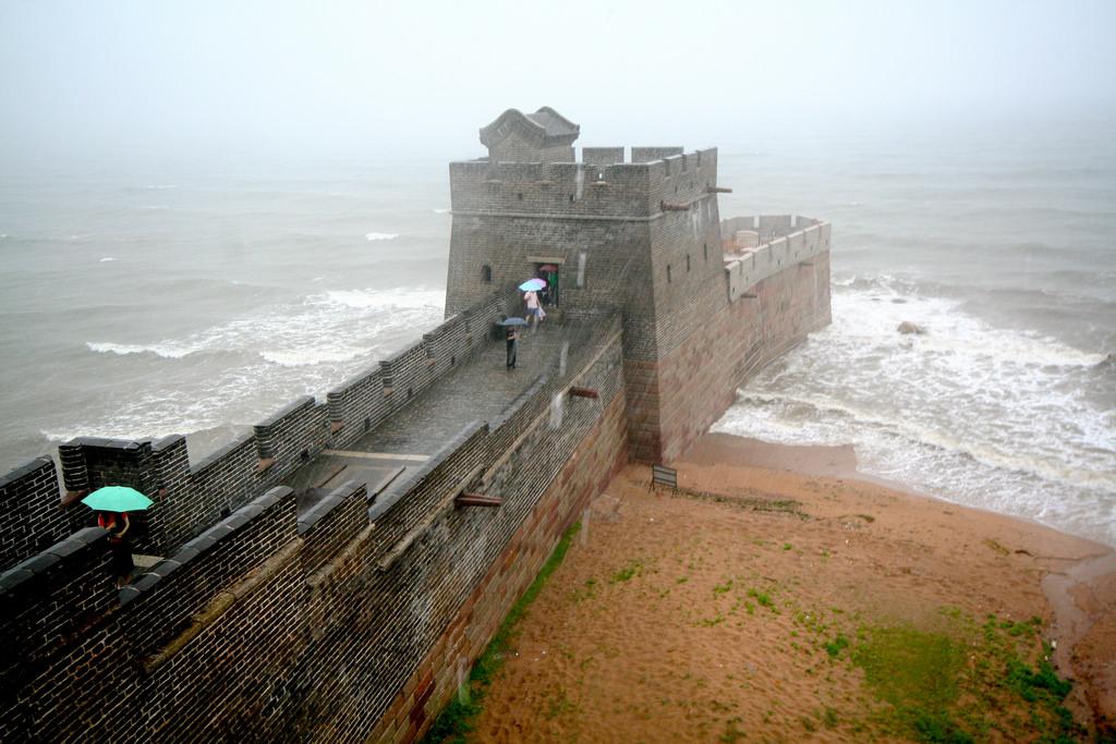 万里の長城の端っこの画像