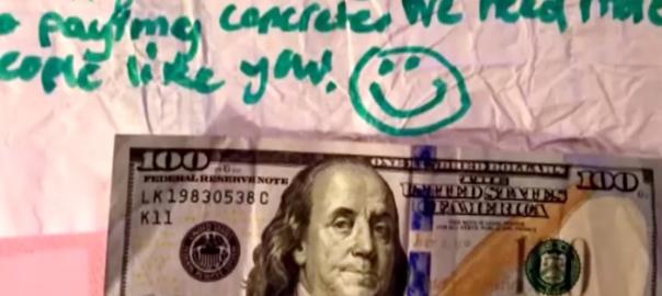 ファーストフード店で少年を助けた2ドルが、100倍になって返ってきたお話 (1:23)