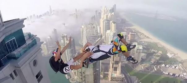失神注意!ドバイの高層ビルからダイブする映像に、ヒヤヒヤが止まらない