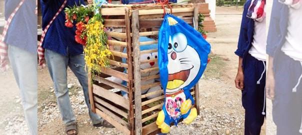 【のび太もびっくり】タイで行われた雨乞いの儀式にドラえもんが使われる