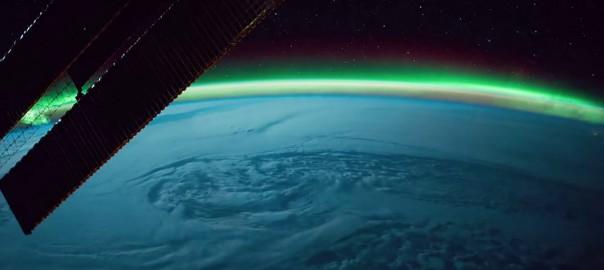 美しさに息を飲む。宇宙から撮影した地球のタイムラプス映像が神秘的