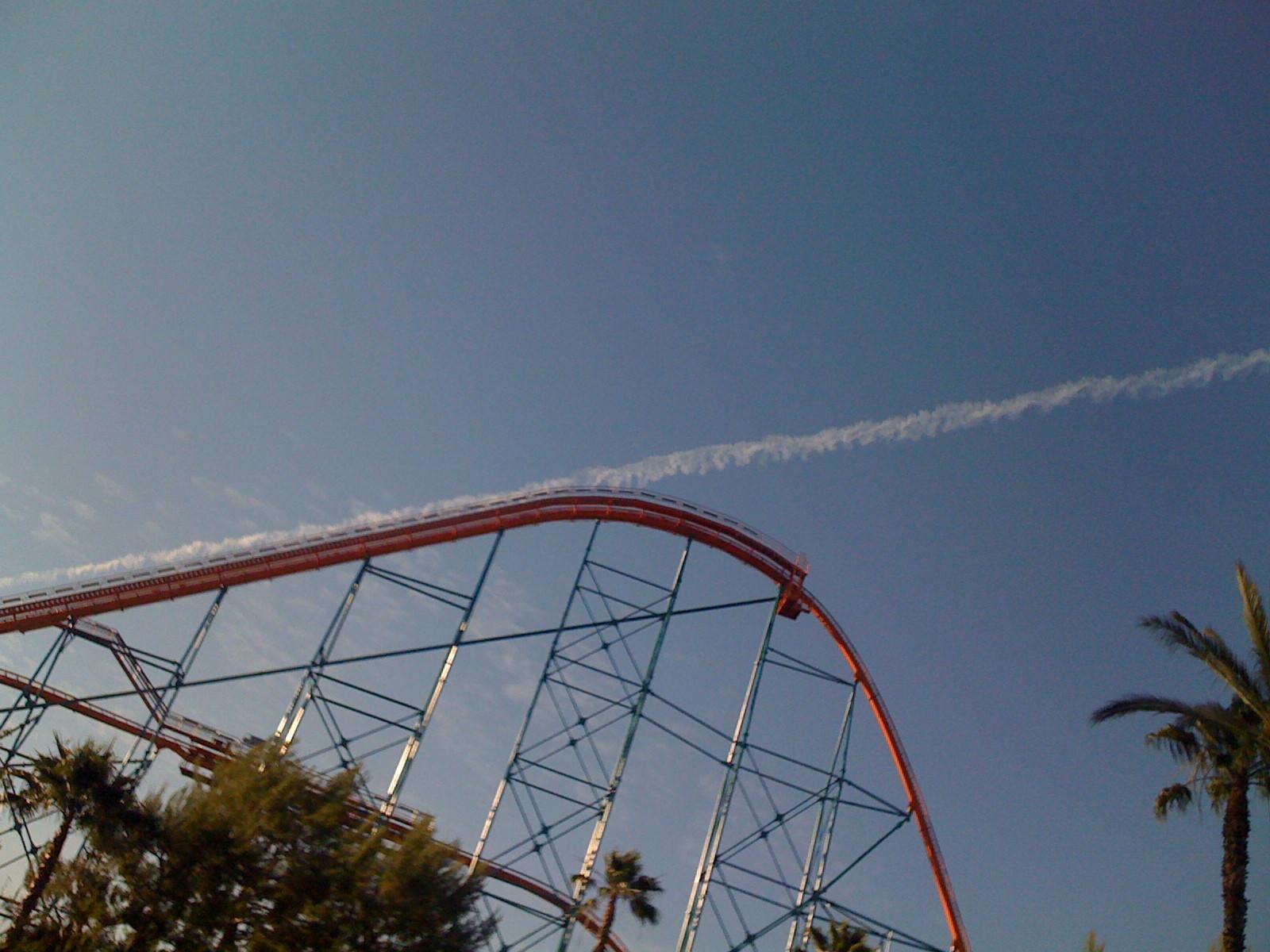 ジェットコースターと雲