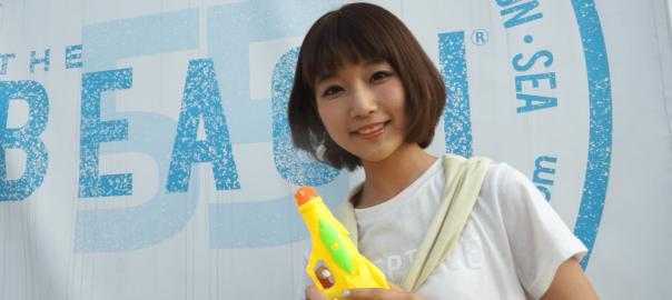 東京にあるビーチ「豊洲MAGIC BEACH」に美女が突撃リポート