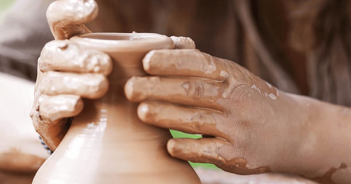 陶芸家の手