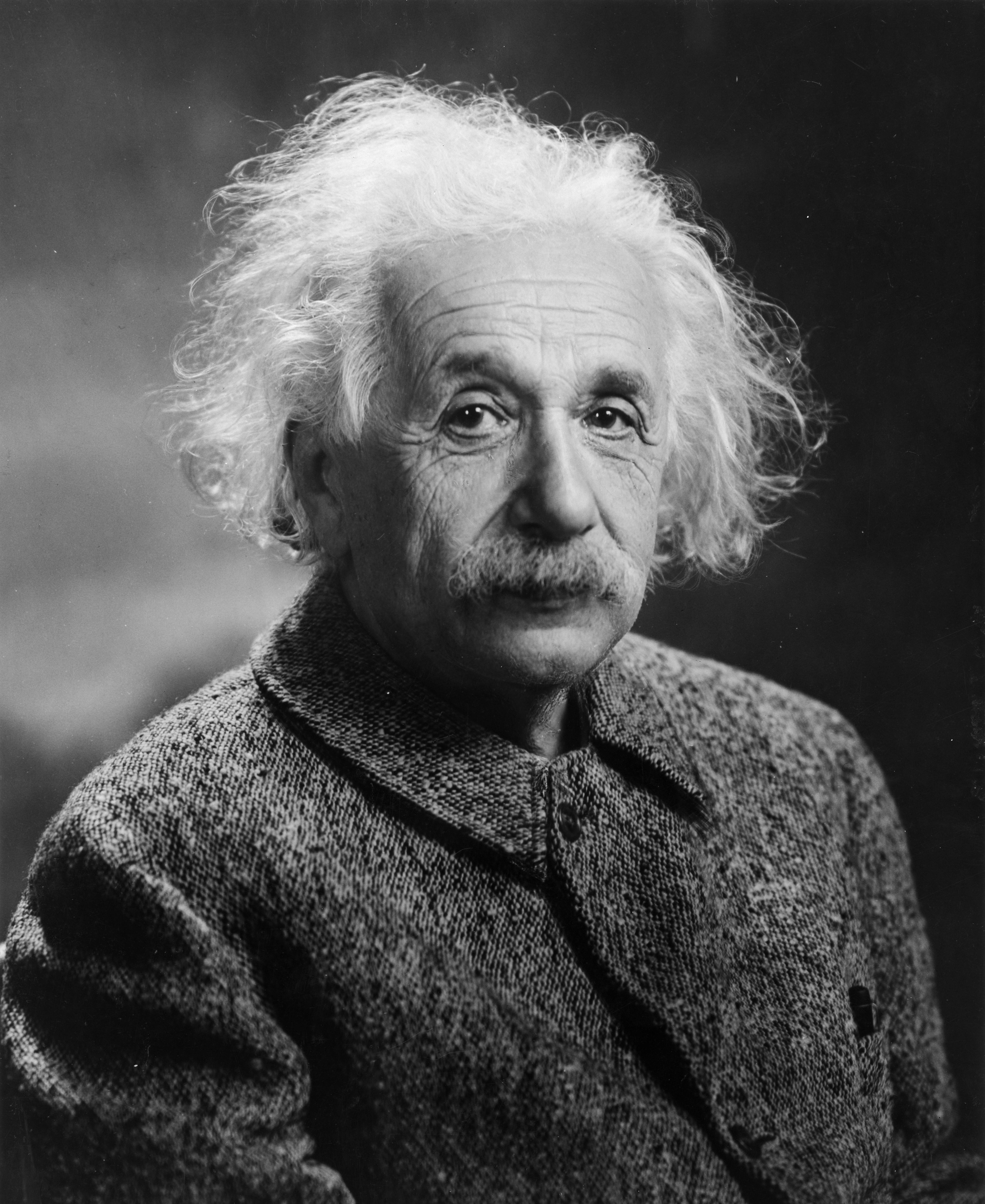 Albert_Einstein_1947 (1)