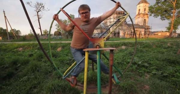 おそロシア本領発揮!ある公園の遊具が危険すぎてもはや拷問のよう