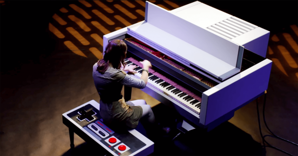 ゲーム愛がスゴい!ファミコン型のピアノで奏でるあの名曲に聴き惚れる