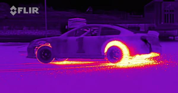 【炎のレーサー】サーモグラフィで撮影したドリフト走行にシビれる!