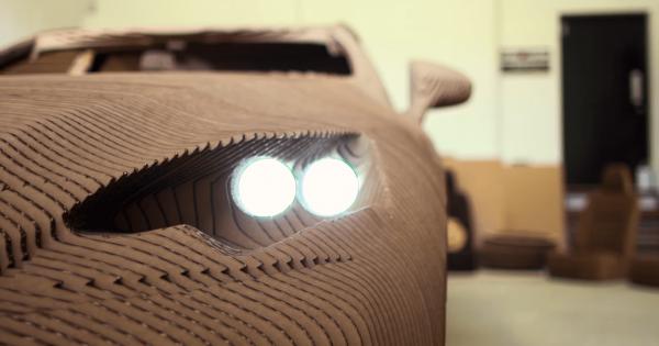 【折り紙から着想】高級車レクサスをダンボールで精巧にカスタマイズ!