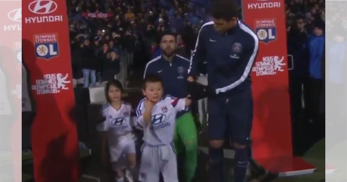 サッカー選手 男の子1 (1)