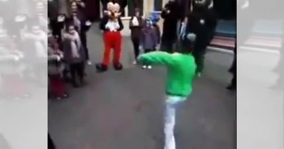 ミッキー ブレイクダンス1.JPG1