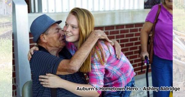 ヒロインは19歳の母!見知らぬおじいさんの命を救った勇気ある行動に拍手喝采