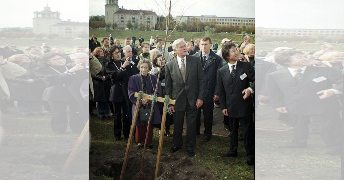リトアニア 記念樹 (1)