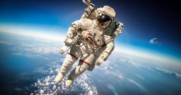 NASAが宇宙飛行士になってくれる人を公募予定!ただしに理学士に限る