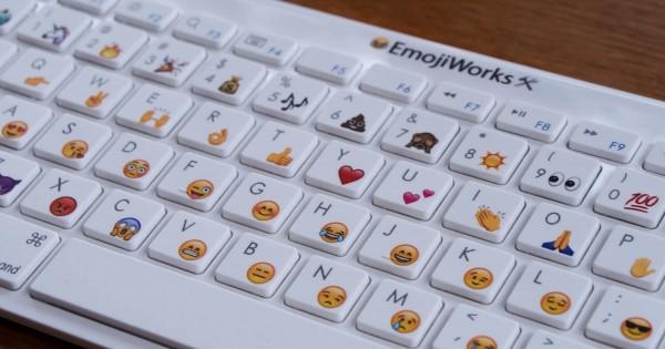 可愛い文章を素早くタイピング!絵文字が打てるキーボードが登場