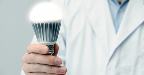 Wi-Fiより100倍速い!LED電球でより速く安全にデータを届ける「Li-Fi」が開発されている
