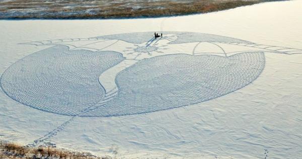 雪の上のミステリーサークル!謎の巨大ドラゴンが大雪原に現れた!!