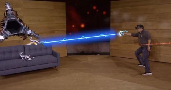 コレがゲームの未来だ!部屋の中で戦いを繰り広げる3Dゲームの迫力がスゴい