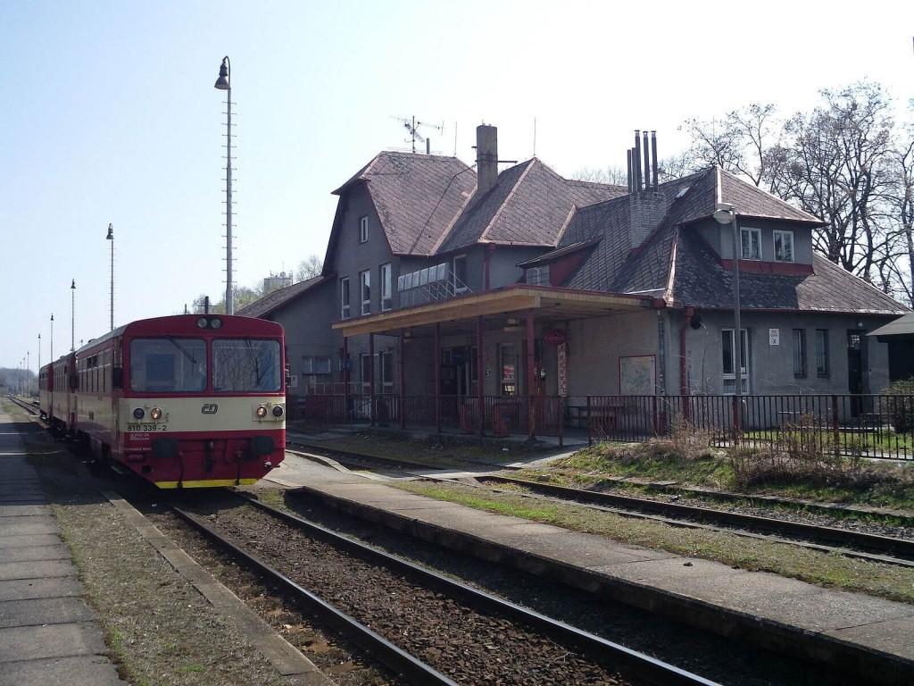 Hlucin_station1