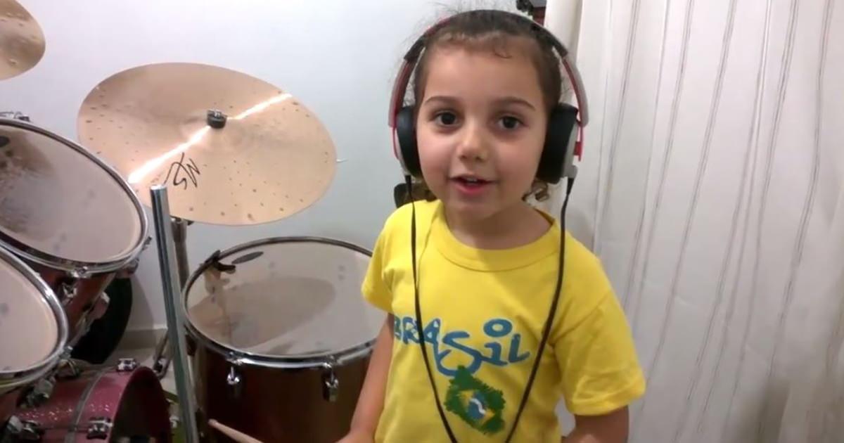 女の子 ドラム3