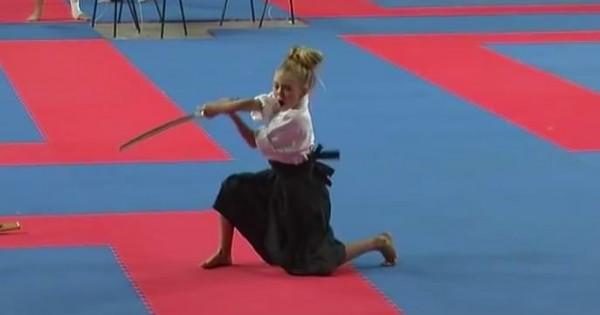 海の向こうの小さなサムライ!海外の女の子が魅せる日本刀の演武がハンパない