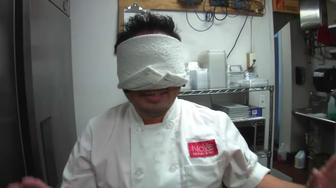 寿司 目隠し1