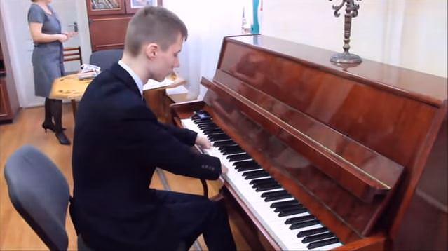 指のないピアニスト1