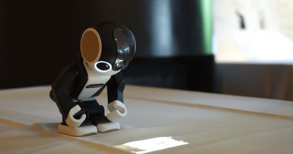 超可愛いと話題のロボット型スマホRoBoHoN(ロボホン)に会えるカフェが期間限定オープン!