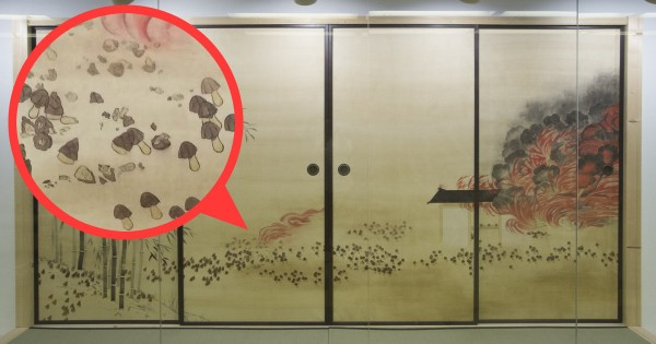 戦いを描いた襖絵!でもよく見てみたらキノコとタケノコが壮絶な死闘をしてた!