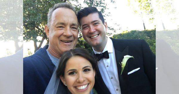 トム・ハンクス、今度は結婚写真の撮影現場に降臨!気さくな振る舞いにほっこり