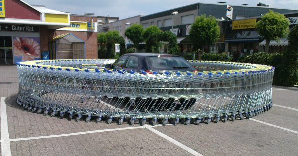 不法駐車は許さない!迷惑を考えないドライバーへの強行策11選