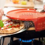 お手軽すぎて食べ過ぎ注意!コンロで焼きたてピザが作れるオーブンが便利すぎる