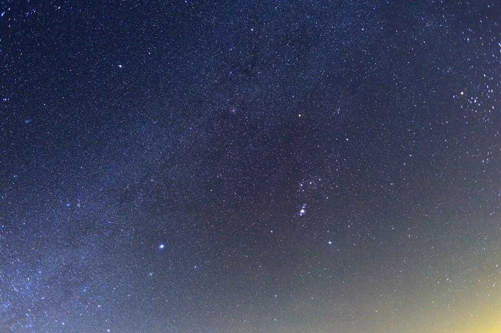 【秋の夜長に流れ星を♪】本日オリオン座流星群がピーク!最大1時間に60個も見れるチャンス