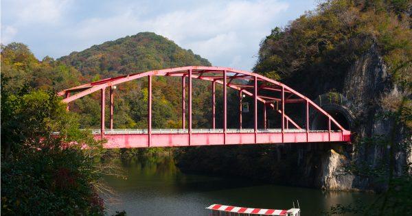 京都に飽きたら広島だ!「空中紅葉狩り」で体験する紅葉の名所「帝釈峡」