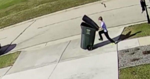 少年VS強風! ゴミ箱を運ぶ少年に襲いかかる自然の猛威…